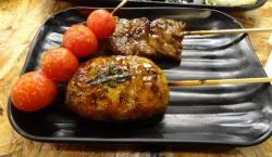プチトマト、つくね、レバーの串焼き